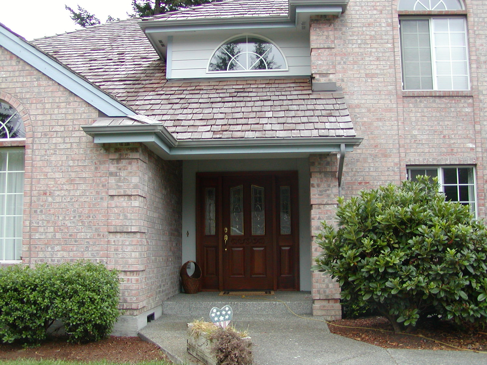 Top 22 photos ideas for brick quoin corners house plans for Brick quoin detail